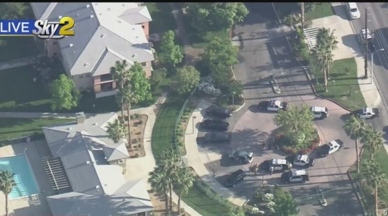 Standoff Continues After Pursuit Ends In Palmdale, 1 Person Taken Into Custody – CBS Los Angeles